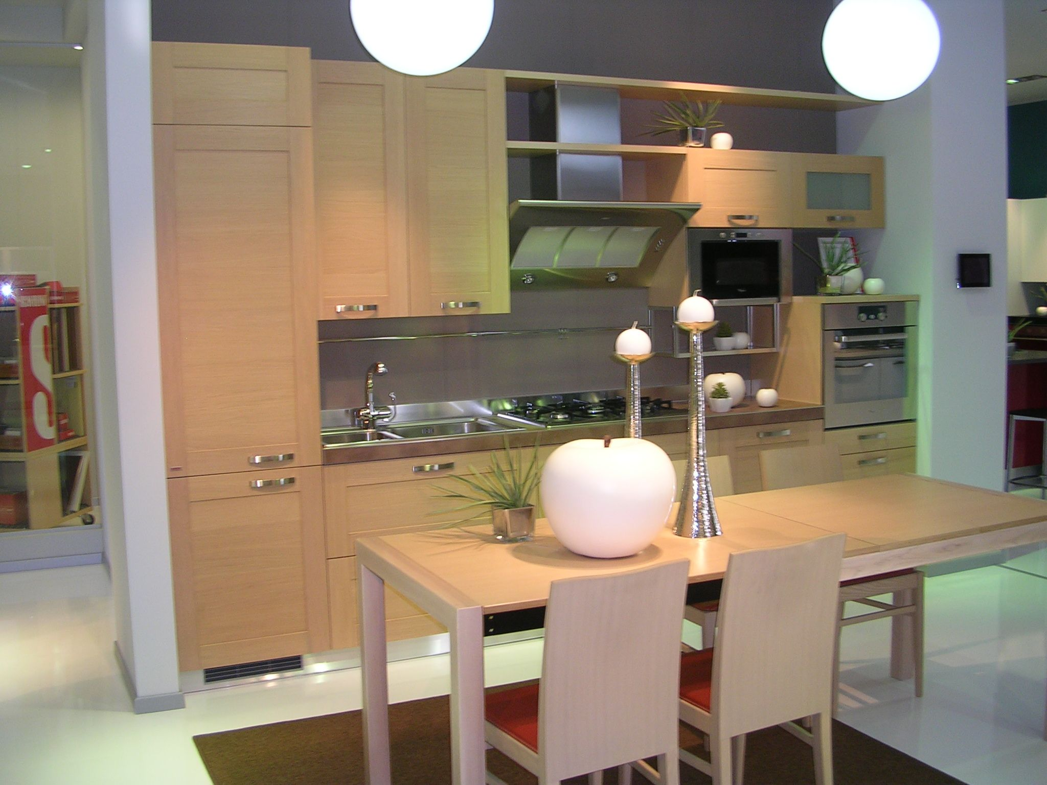 Cucina Play in legno Rovere chiaro. #Scavolini #Store #Abbiategrasso ...