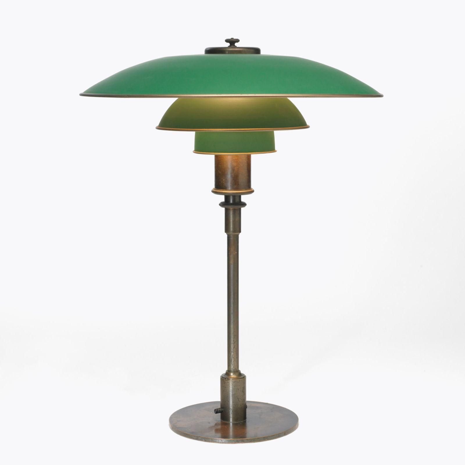 Poul Henningsen. Lámpara de mesa PH, 1927   Chandelier lighting, Lamp design, Lamp