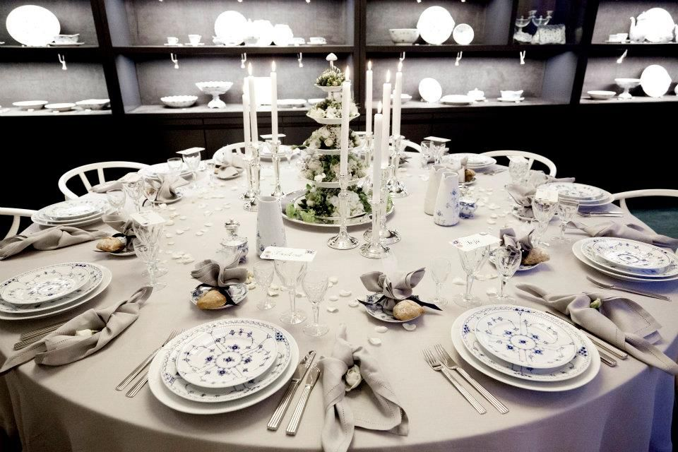 Beautiful Royal Copenhagen table setting! & Beautiful Royal Copenhagen table setting! | Entertaining|AMBIANCE ...