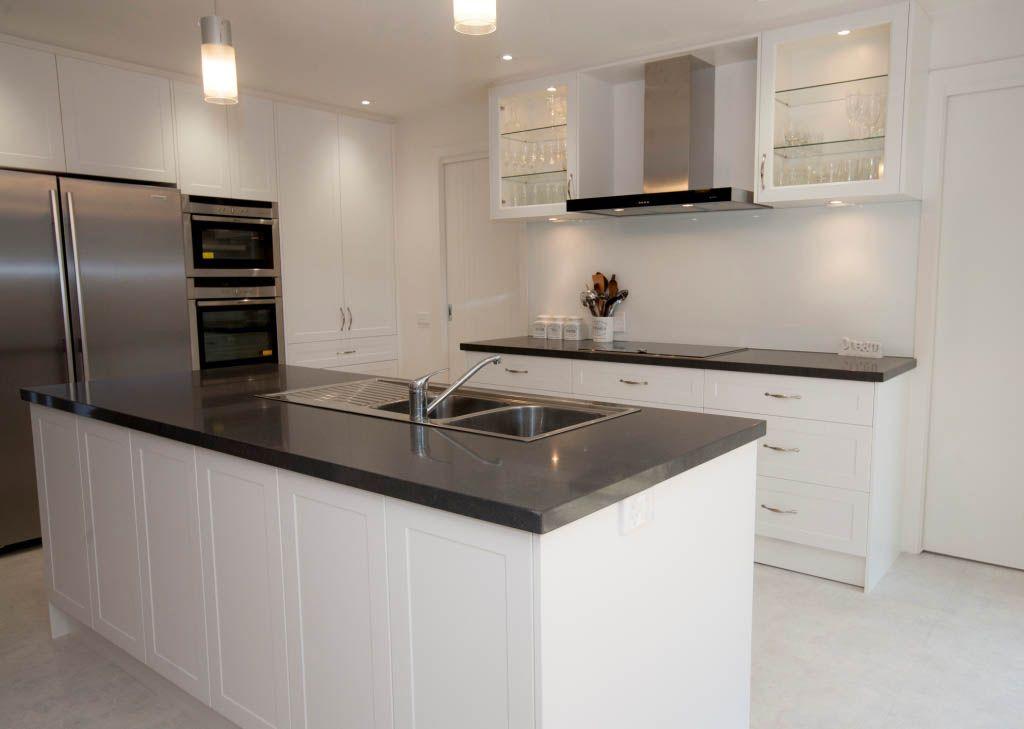 4120 Raven™ - Select Kitchens 4120 Raven