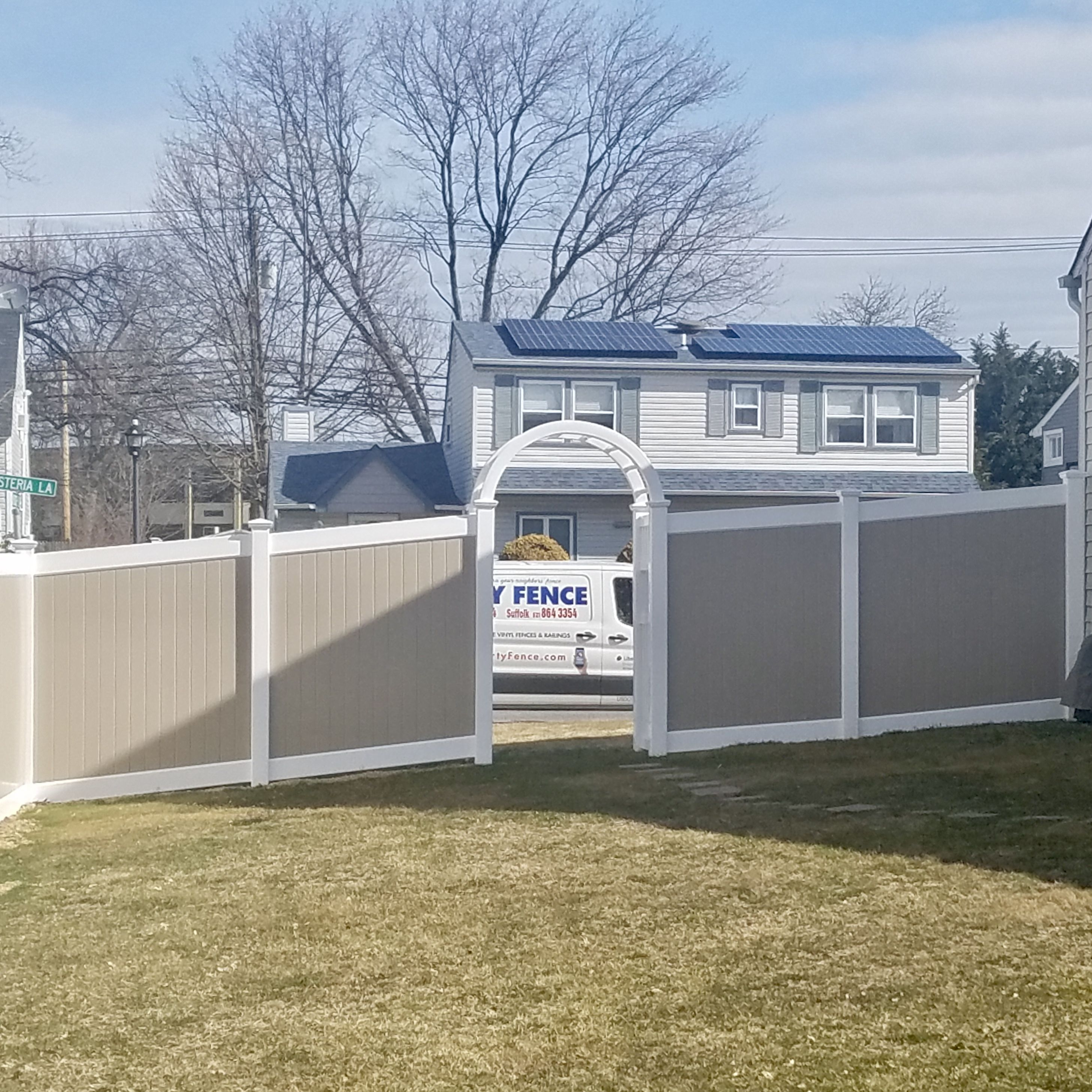 6 Two Tone Vinyl Fence Khaki Panels And White Frame And White 4 Wide Grand Arbor With Explorer Sides And Window In 2020 Gates And Railings Vinyl Gates Vinyl Fence