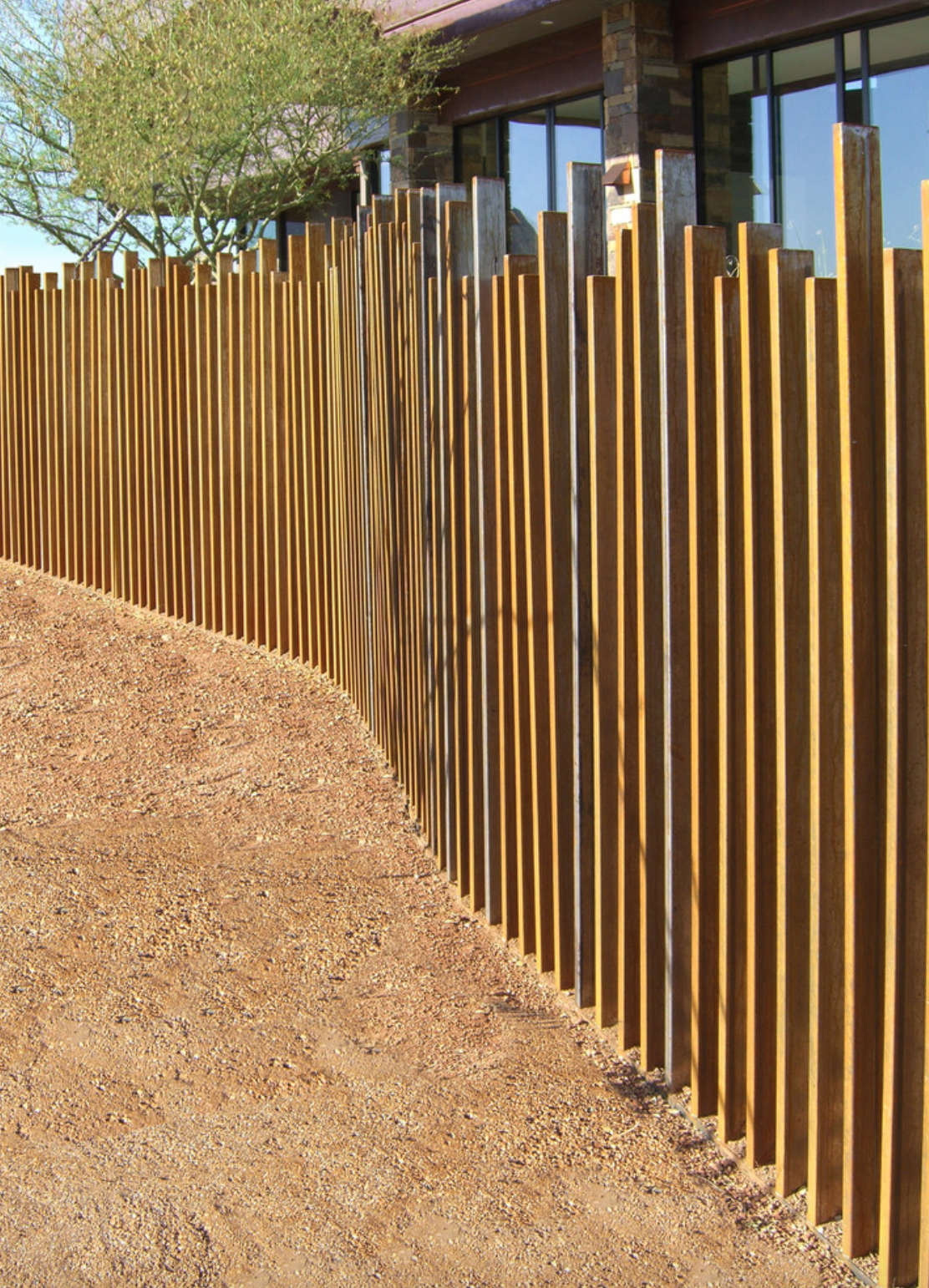 Vertical Pillars Of Different Heights Mj Front Yard Fence Design