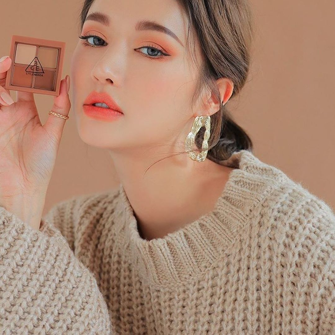 3 Alphabets For This Look O M G Lip Tint 3ce Eye Color