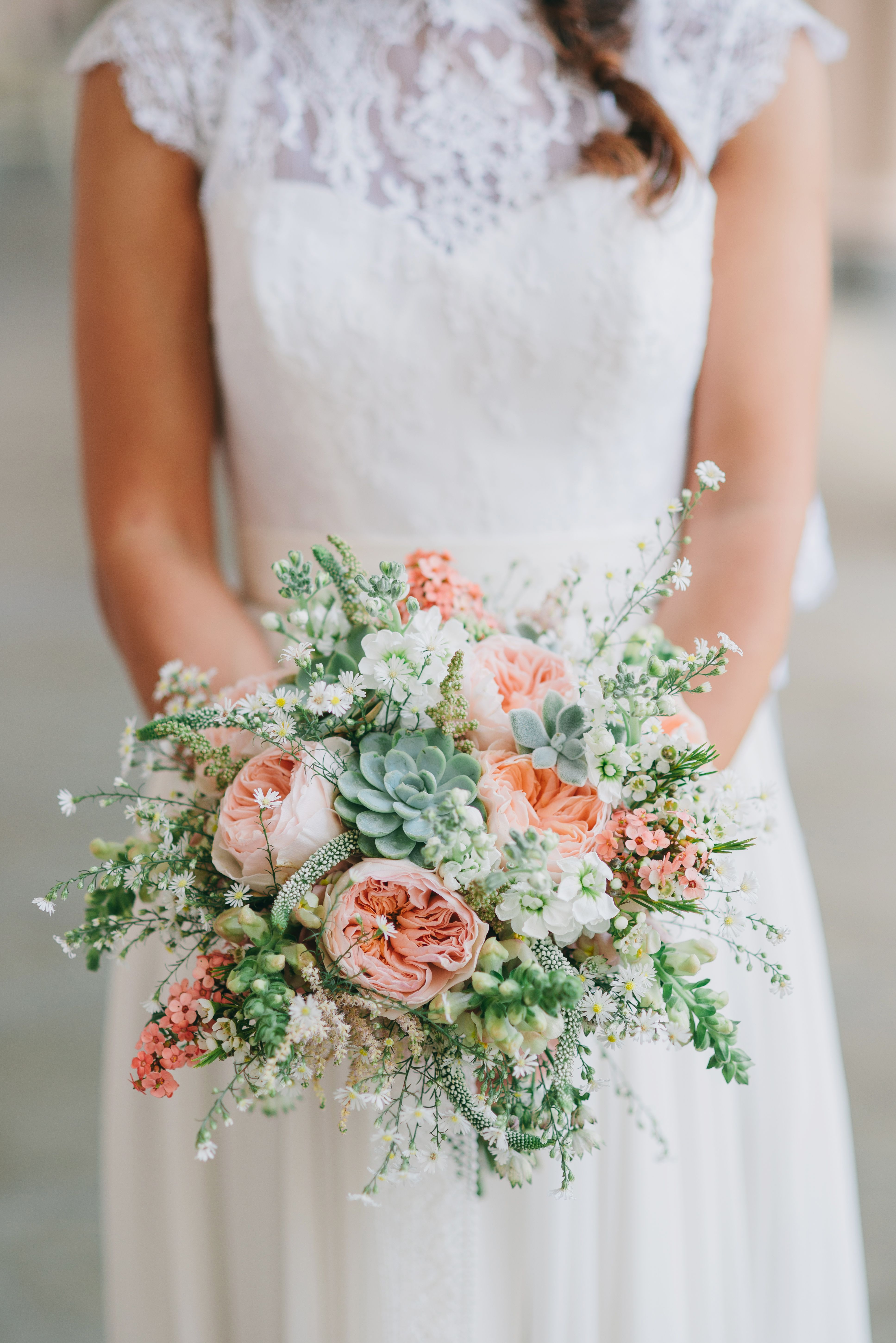 Bouquet Sposa 2019.Boho Chic Bride Bouquet Inspiration Flower Inspiration Boho