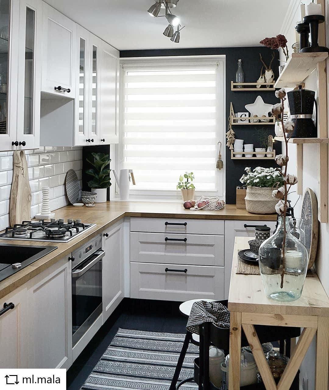 Mała Kuchnia Ale Jaka Funkcjonalna Czarne ściany I Ciemna