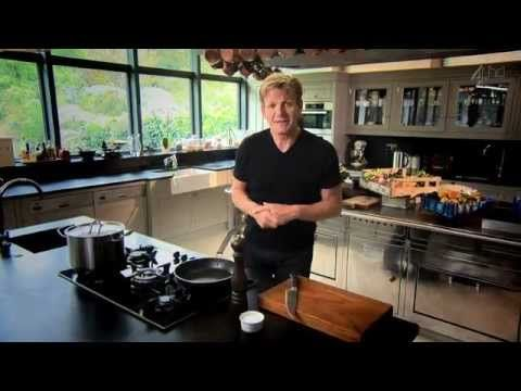gordon ramsays ultimate cookery course s01e01 i cant. Black Bedroom Furniture Sets. Home Design Ideas
