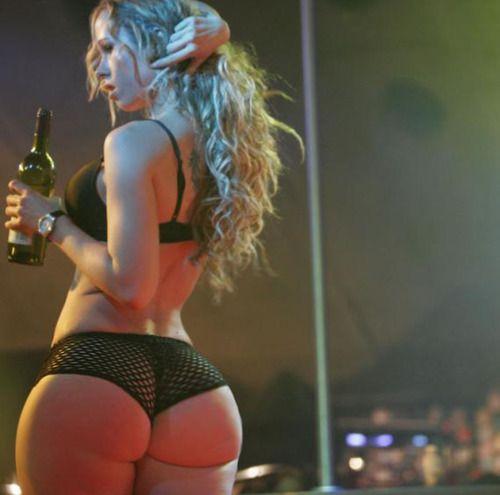 Big Booty White Girls Wassup Stripper Girl Come Ride My Pole Hey Sexy