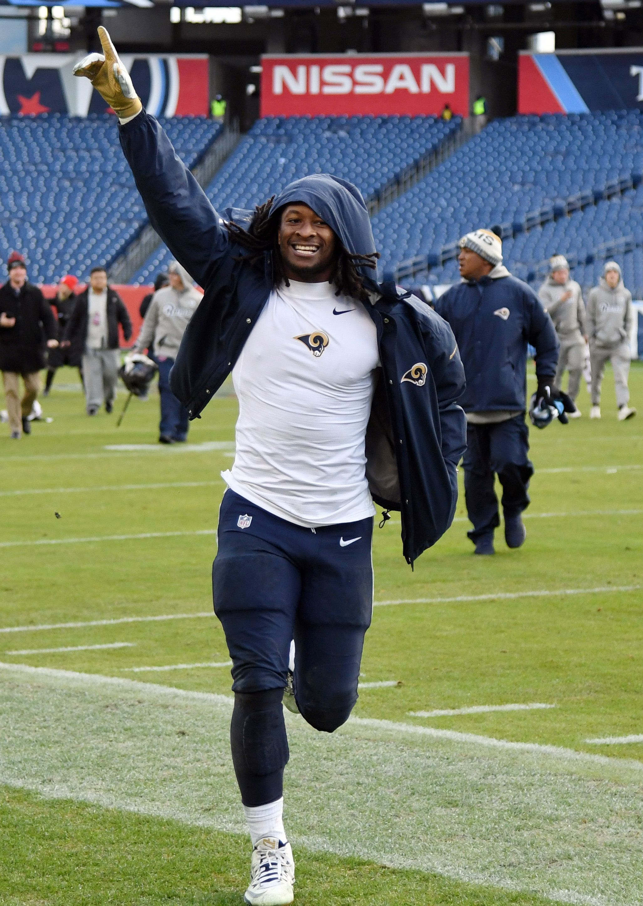 Todd Gurley Shatters Mark For Nfl S Top Paid Rb With Four Year 60 Million Extension Todd Gurley Top Pay Tops
