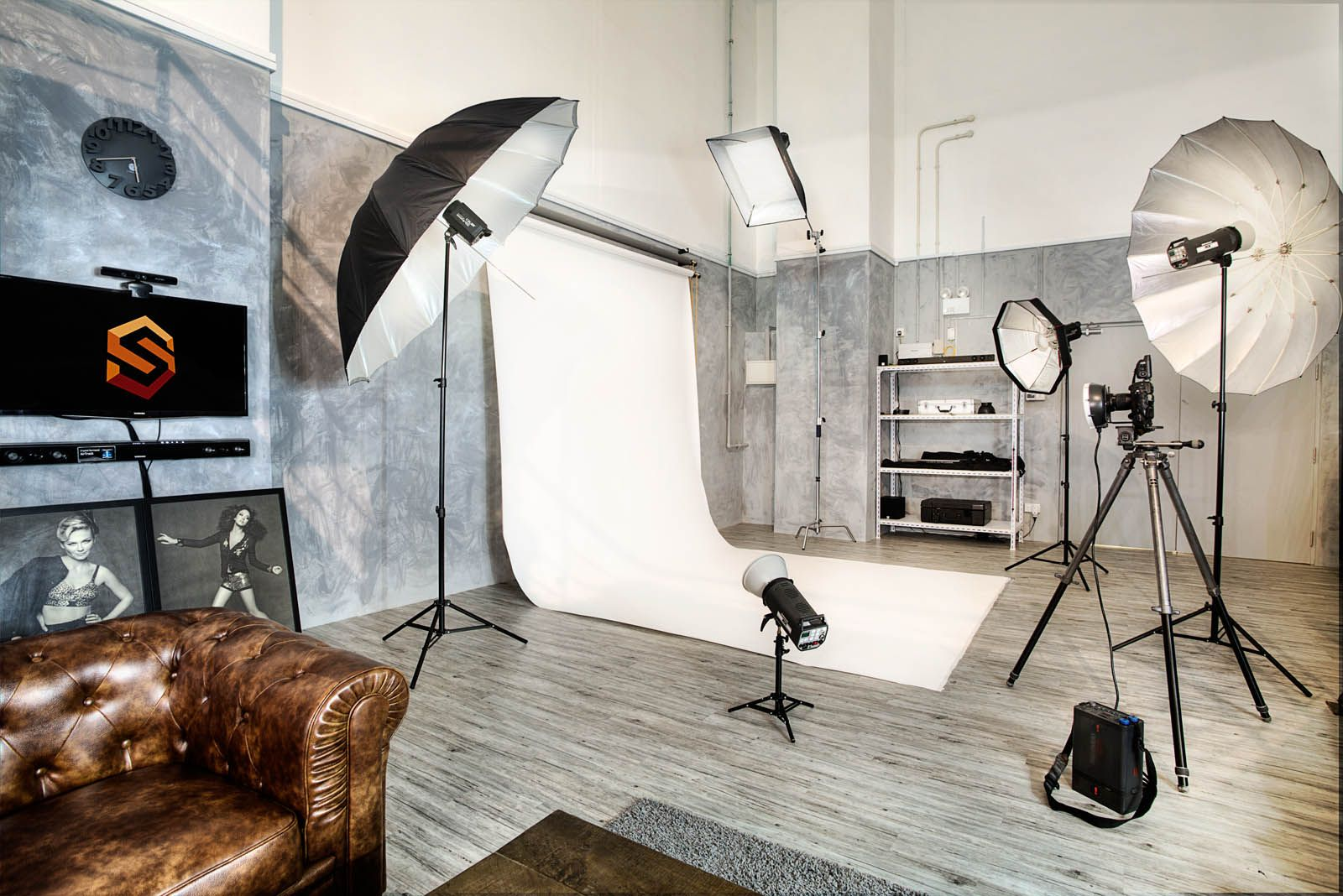 There S A Co Working Space Complete With A Photo Studio In
