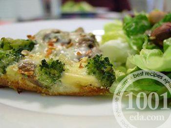Незатейливый пирог с брокколи и грибами