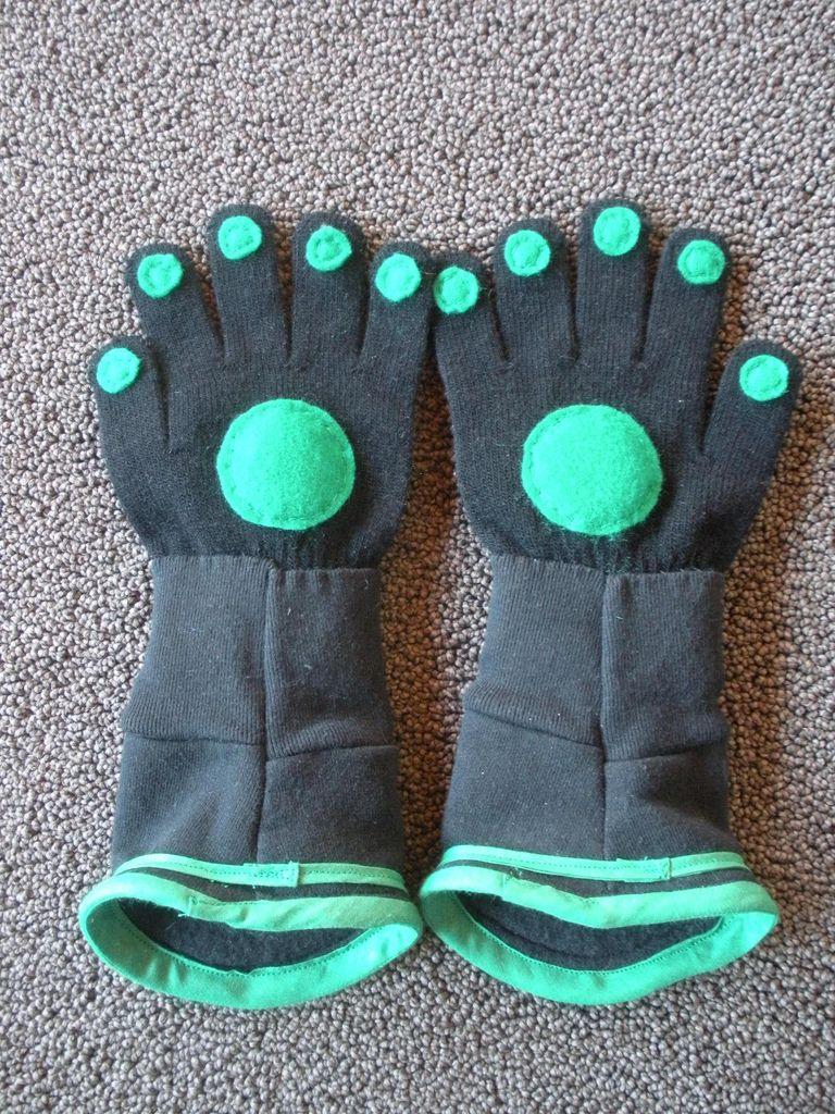 gloves for a Wild Kratt party