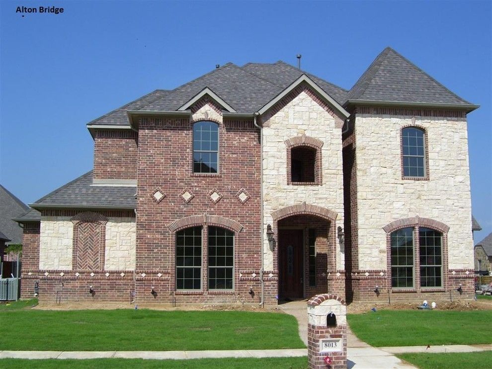 Gorgeous acme brick method other metro traditional for Brick and stone exterior ideas