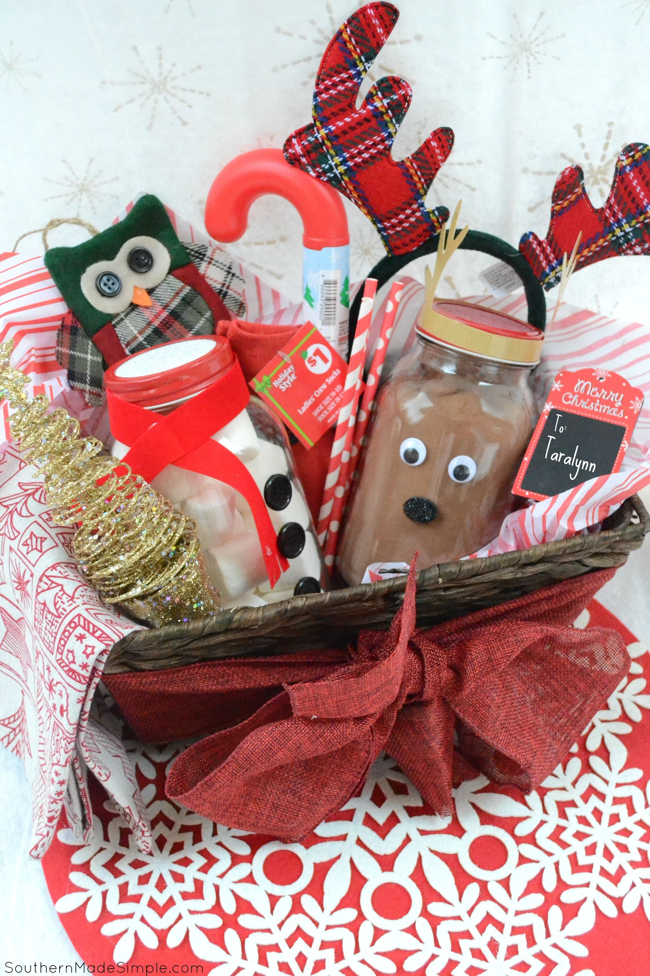 Easy Holiday Gift Idea DIY Hot Cocoa Gift Basket