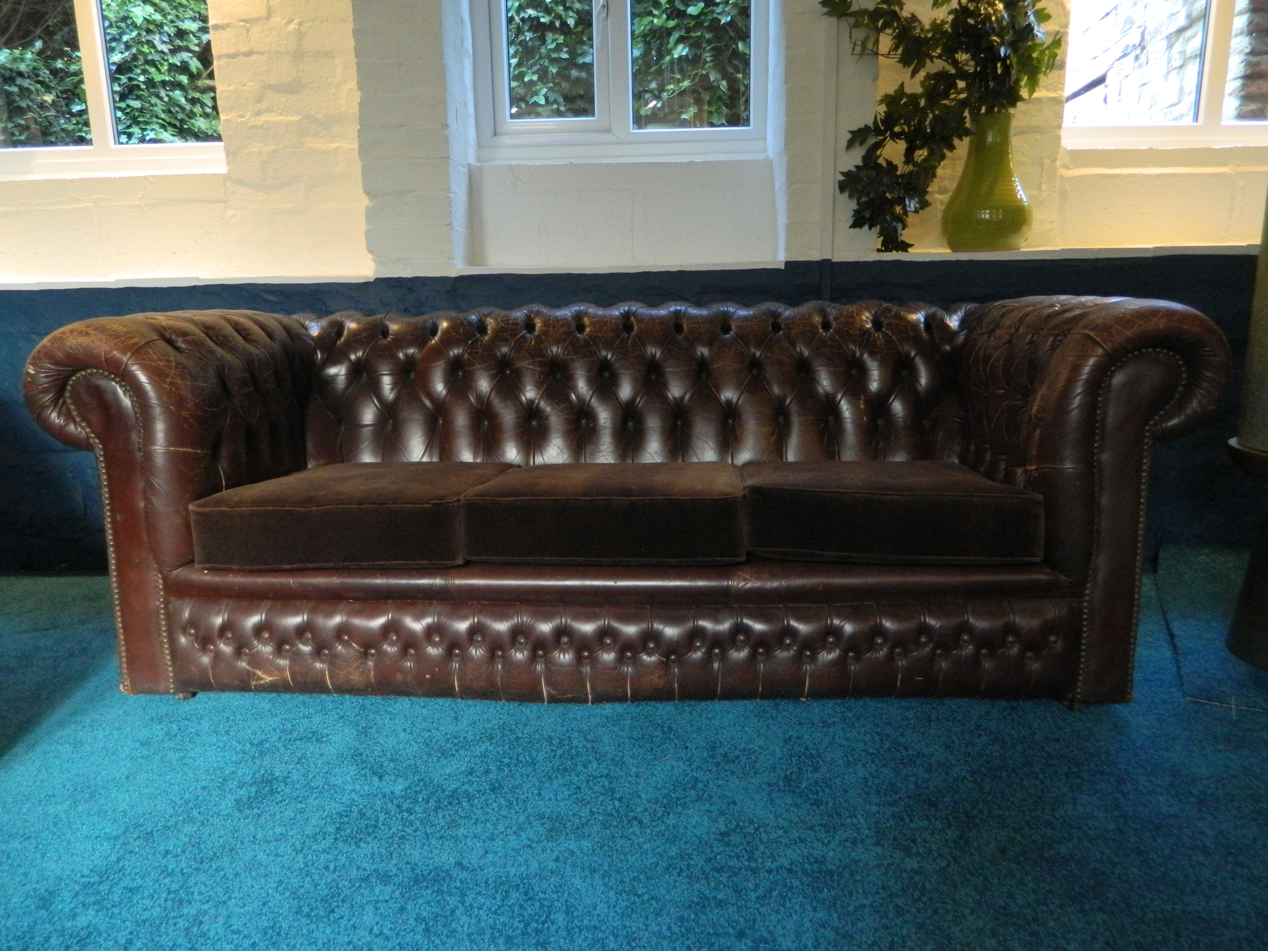 cost to reupholster chesterfield sofa serta rta palisades collection 73 in fabric reviews classic vintage leather with reupholstered