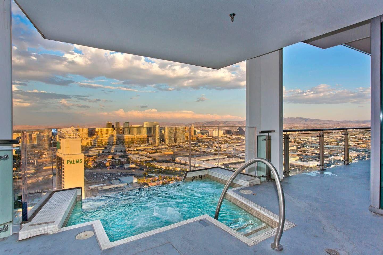 Vegas Huge Penthouse Hottub On Balcony Stripviews Appartements à Louer à Las Vegas Las Vegas Vacation Rentals Las Vegas Luxury Luxury Penthouse