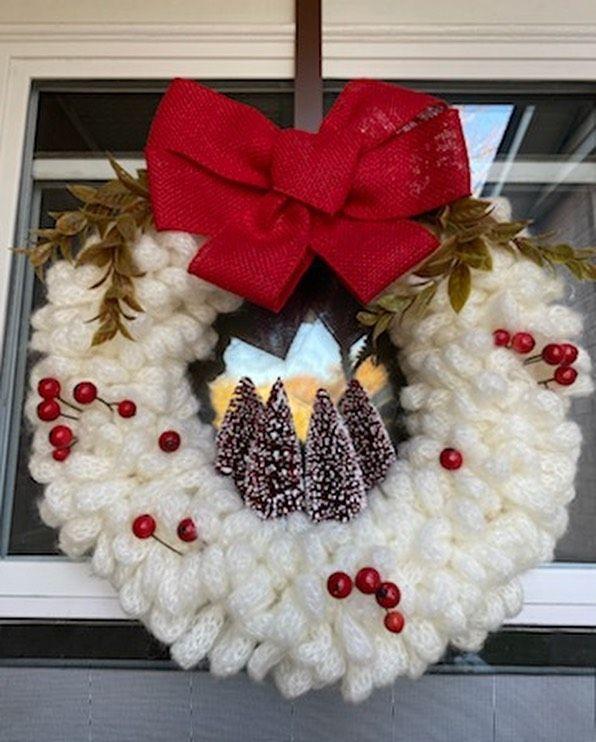 Christmas Wreath time! 🎄 . . . . . . . . . . . . . #wreath #christmas #christmasdecor #smallbusiness #hamilton #crafts