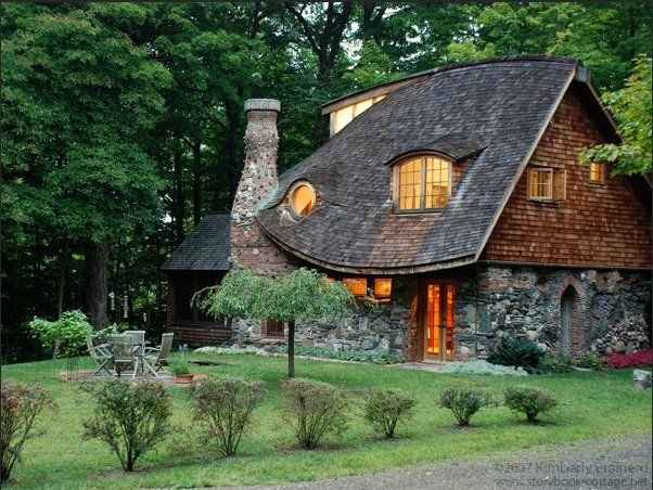 12 Stunning Cottage Design Ideas That Look Like From The Fairy Tales Storybook Cottage Cottage In The Woods Storybook Homes