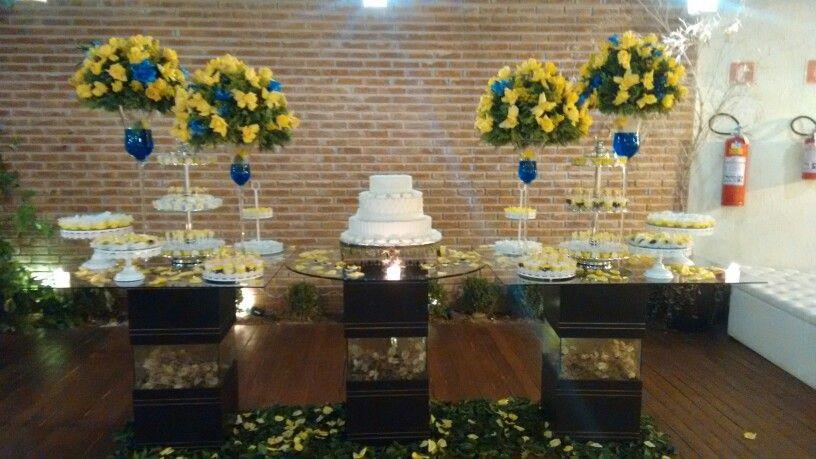 Decoração  amarelo  e  azul