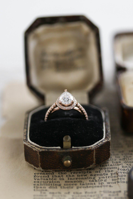 Cambria in 2020 Vintage diamond rings, Unique diamond