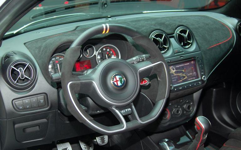 Alfa Romeo MiTo GTA | Alfa Romeo Dashboards e interiors | Pinterest ...