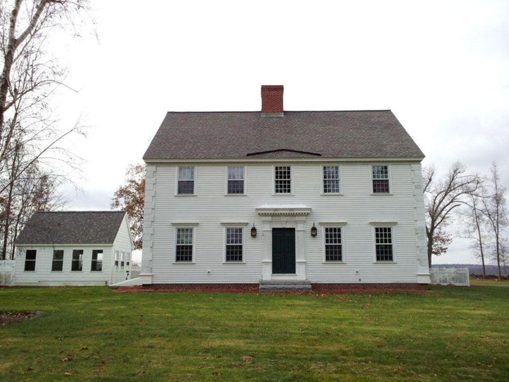 Colonial Style House Plan Beds Baths Sq Ft Plan