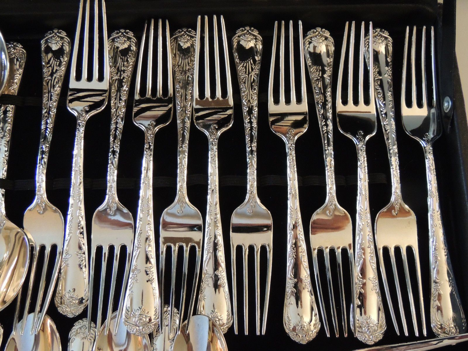 Wm Rogers Son China Silver Plated Flatware 50 Piece Set