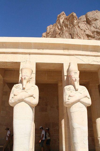 Excursiones En Tierra En Egipto El Templo De Hachepsut Http Www Espanol Maydoumtravel Com Viajes Y Tours A Egipto 4 0 Egipto Luxor Ofertas De Viajes