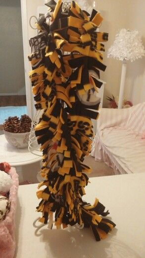 Pittsburgh steeler fleece fringe scarf.