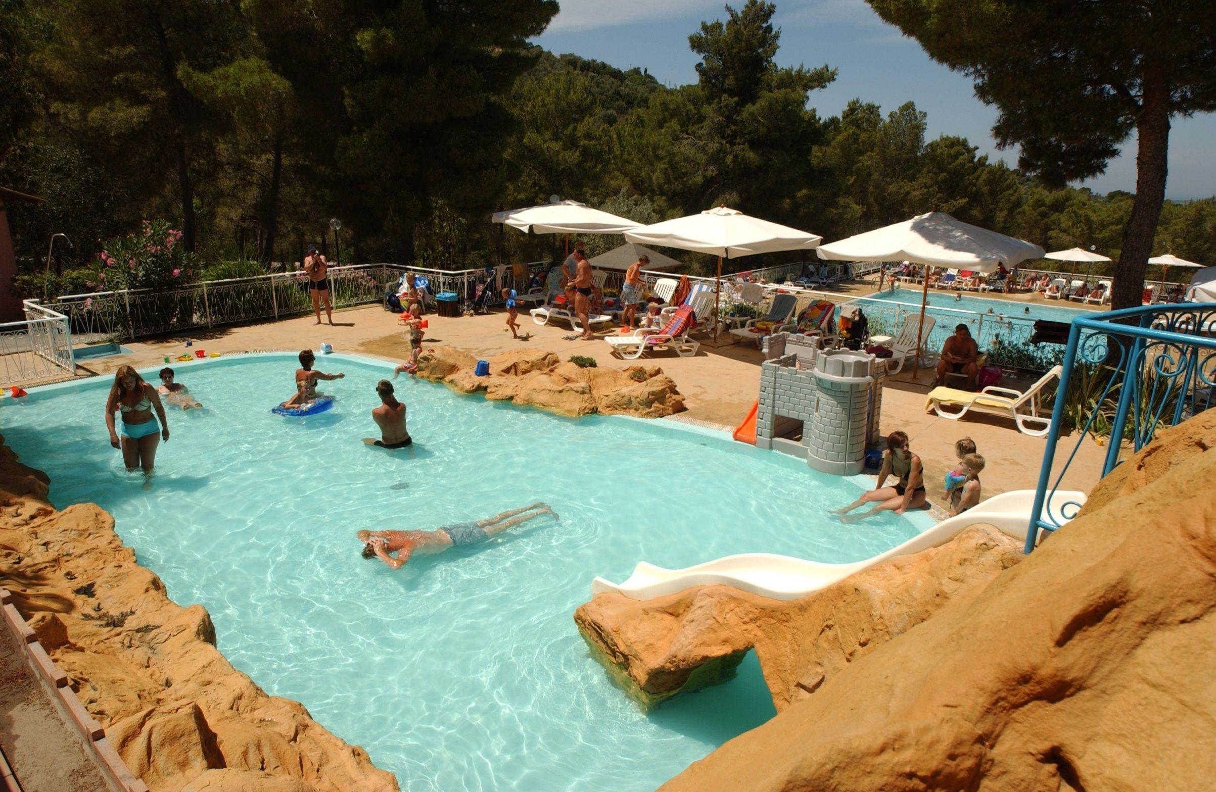 Kinderzwembad Op Camping Le Pianacce Buitenleven Tent Italie
