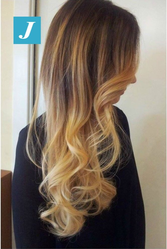 Non lo confondete con niente altro...è un Degradé Joelle! #cdj #degradejoelle #tagliopuntearia #degradé #igers #naturalshades #hair #hairstyle #haircolour #haircut #longhair #ootd #hairfashion