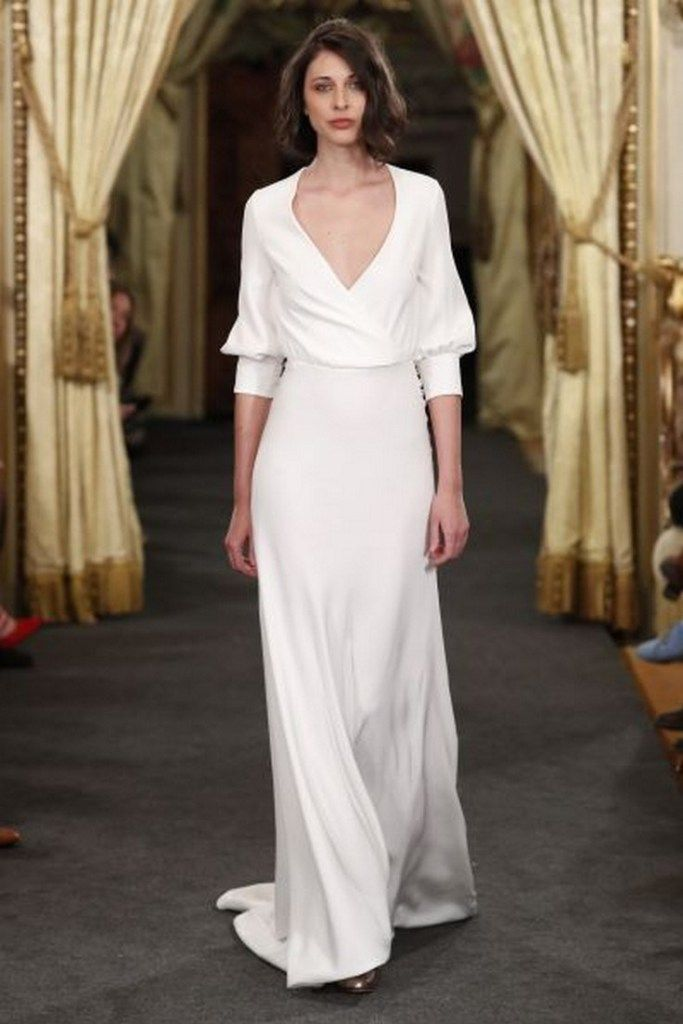34 awesome simple wedding dresses for cute brides 24 #simpleweddingdresses #weddingdresses
