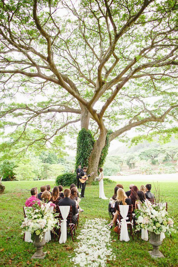Gallery: Glamorous Vintage-Inspired Wedding in Hawaii