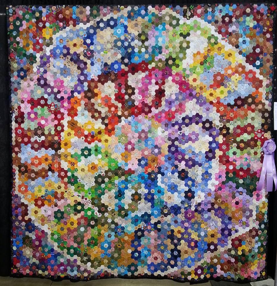 Pin by Lynda Schuler on Hexagons | Hexagon quilt, Quilt patterns, 3d