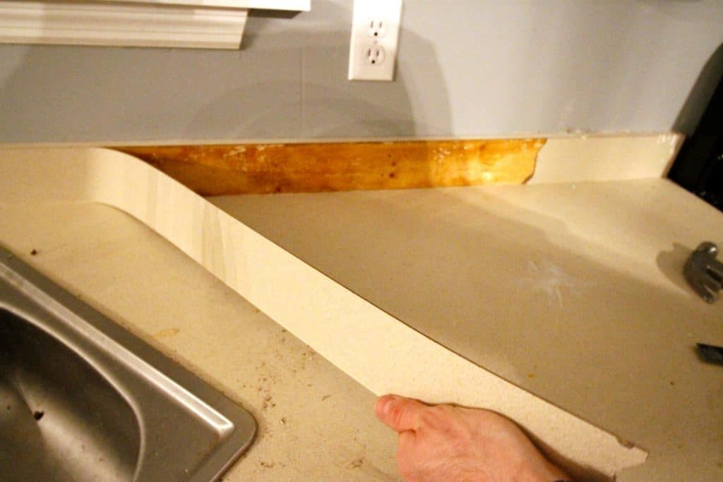 How To Remove Laminate Countertop Backsplash Without Damaging