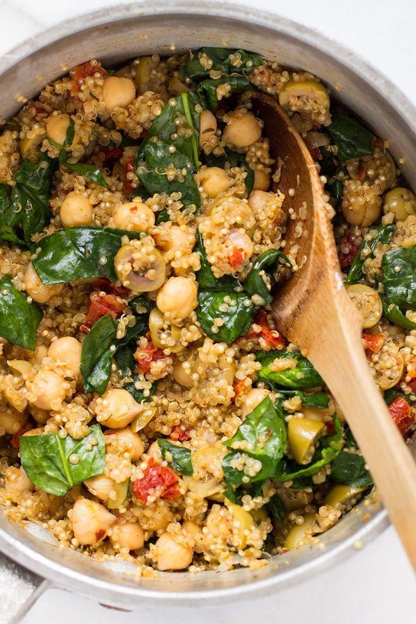 Eintopf Mediterrane Quinoa mit Spinat + Kichererbsen #mediterraneanrecipes