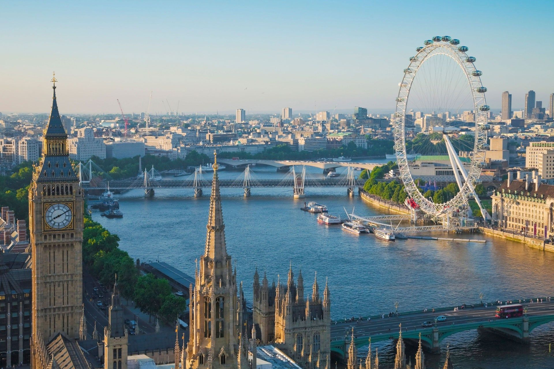 10 top places to visit along the Thames