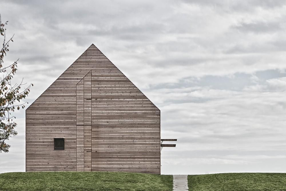 Summer #House in Southern Burgenland (#Austria)  Archetypal house - I remember that not so long ago a lot of architects got allergic reaction to pitched roofs.
