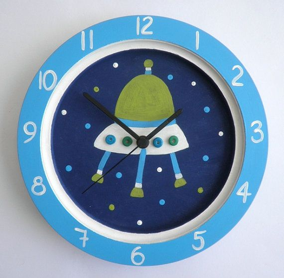 Children 39 s room wall clock spaceship handpainted for Kids room clocks