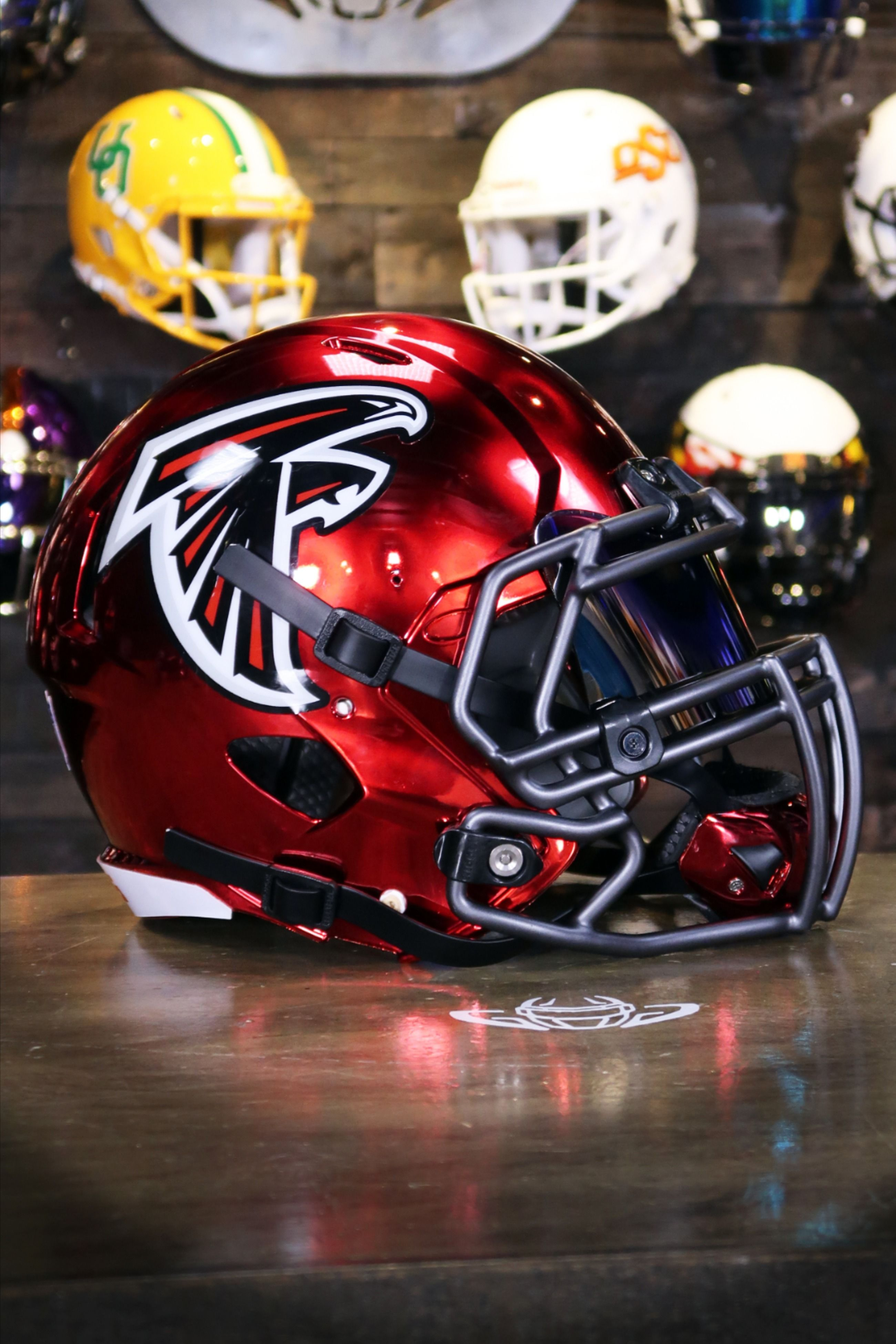 Falcons Helmet Gets A Chrome Upgrade In 2020 Football Helmets Nfl Football Helmets Falcons Helmet