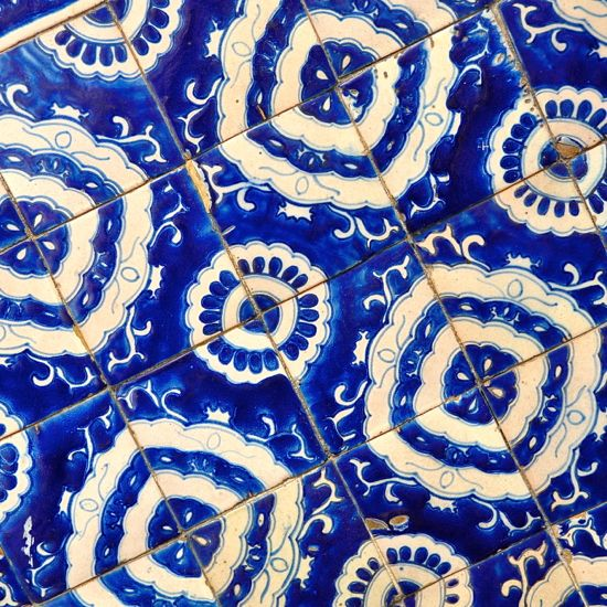 Talavera Blue And White Ceramic Tiles La Fuente Imports Offers The Largest Pottery Selection