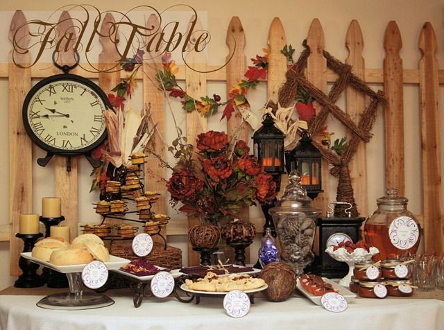 love this setup would be pretty for a fall wedding
