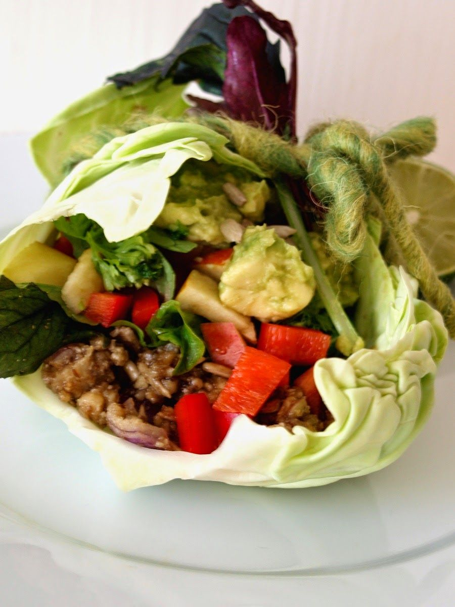 Raw piquante lettuce burrito wraps with walnut refreeshed beans raw vegan piquante lettuce burrito wraps with walnut refreeshed beans recipe giveaway for one of two free copies of my recipe e book raw food made fun forumfinder Images