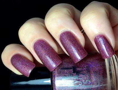 **Girly Bits - What Happens in Vegas... Ends Up on Facebook (LE Summer 2013) / $15.00