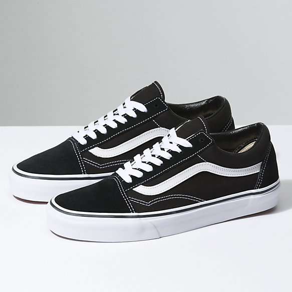 Old Skool   Shop Shoes in 2020   Vans black old skool, Low