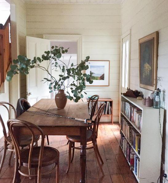 20 Best Minimalist Dining Room Design Ideas For Dinner: Briana Thornton
