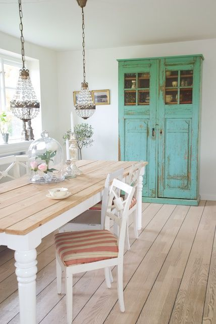 turquoise painted vintage cupboard hutch cabinet tine 39 s house sonja bannick pictures. Black Bedroom Furniture Sets. Home Design Ideas