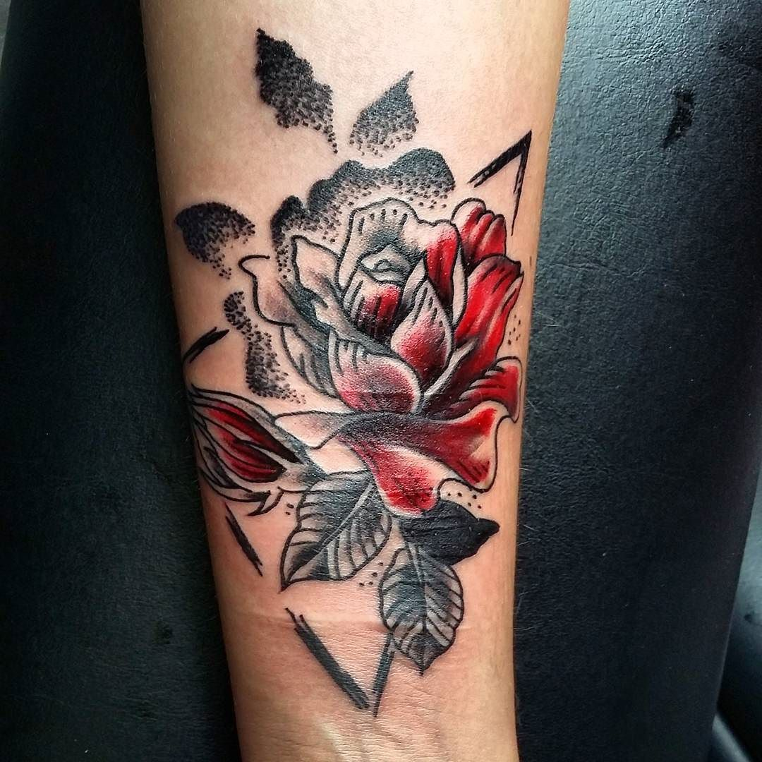 #tattoo #tattoos #tattoooftheday #tattooer #tattooed #tattooartist #blacktattoo #tattooist #tattooing #tatouage #dotworktattoo #inked #draw #drawing #flowertattoo #flower #colortattoo #dotwork #red by barbe_noire_tattooer
