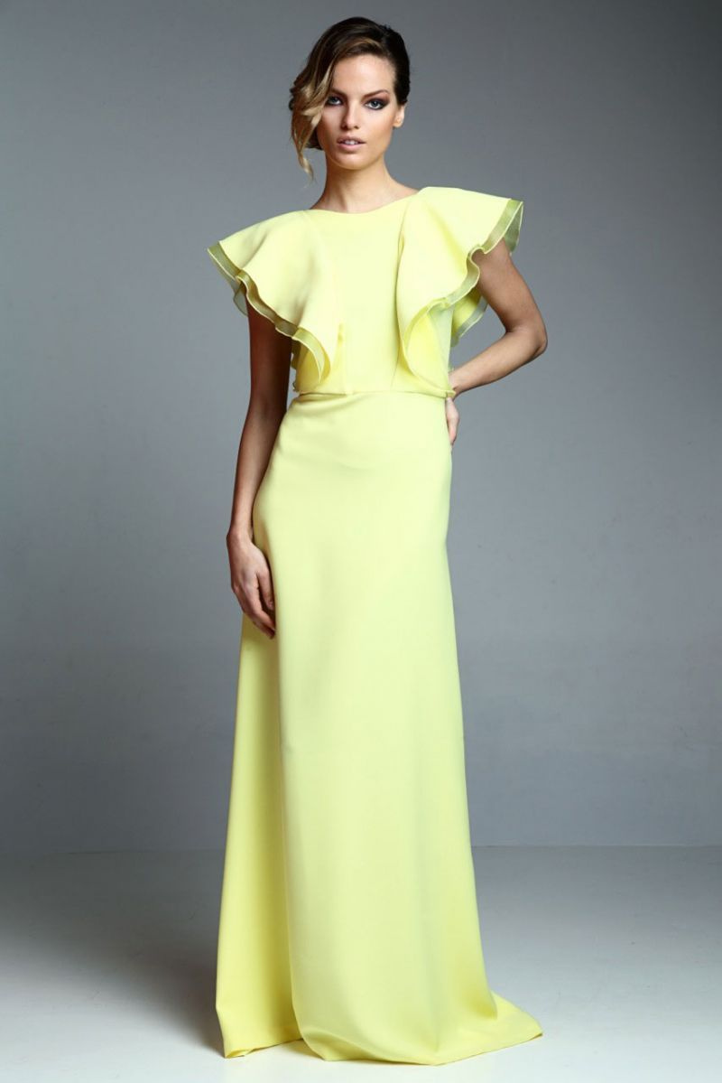 6657bed39b vestido largo fiesta amarillo con volantes de apparentia collection online