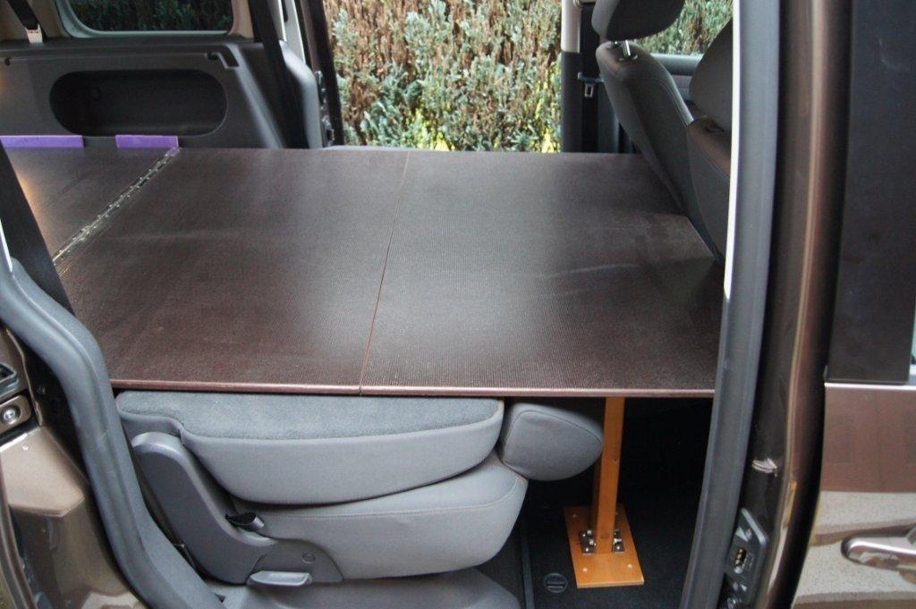 selbstbau bett f r vw caddy micro camper. Black Bedroom Furniture Sets. Home Design Ideas
