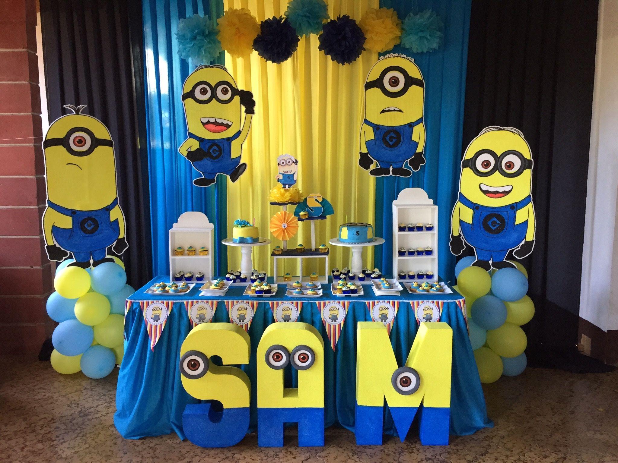 Minions party decor minions theme party pinterest for Decoration chambre les minions